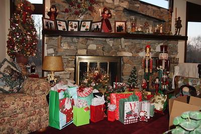 Christmas Eve at Chapman, Sr. home