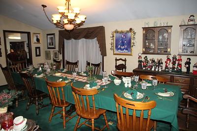 Festive Dinner for Family at Skeet & Maxine Chapman's