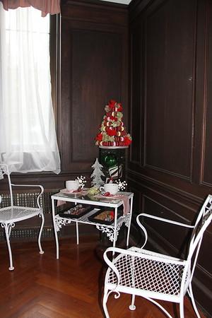 "section of the ""sweets"" room"