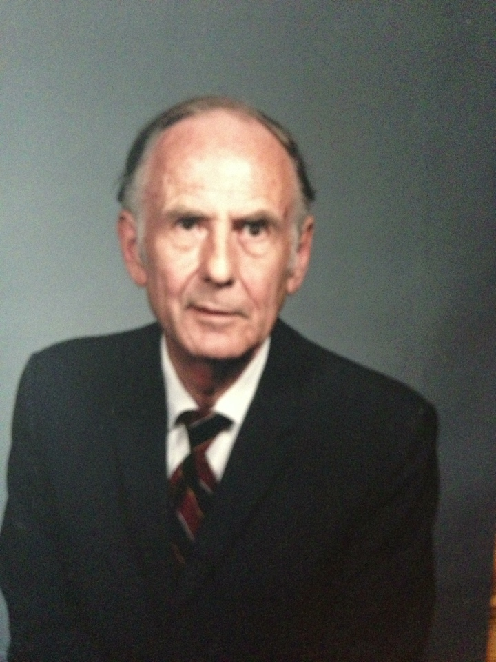 Rodger Naeseth (Howard's brother, Barbara's uncle)