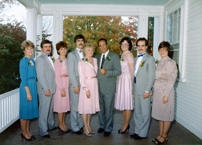 The last picture of the whole family - at Brian's wedding.<br /> LuAnne, Alan, Debbie, Brian, Mom, Dad, Susan, Mark, Dana