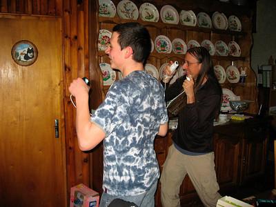 Cedric & Dave jouent avec la Wii (boxing)