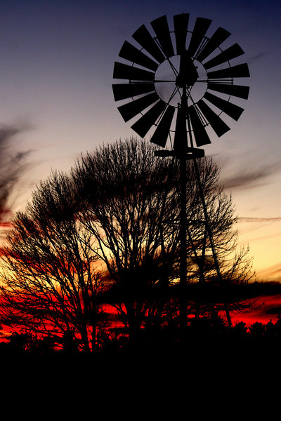 Sunset taken by Clyde Kirbow on 01/25/2010