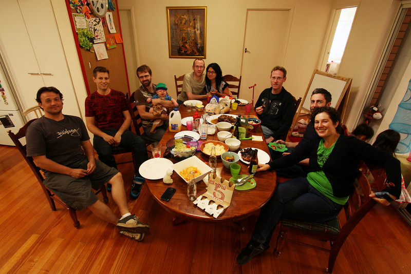 <b>19 Dec 2010</b> Shadmin gathering - Peka, Alex, Alex, Finn, Dave, Maggie, Mik, Dyon, Helen (and a couple of kids running around)