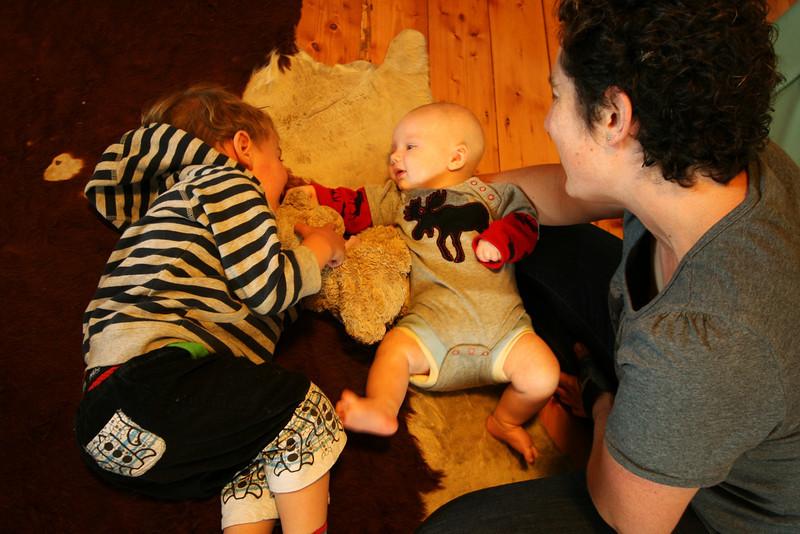 <b>13 Dec 2010</b> Kai, Finn and Helen