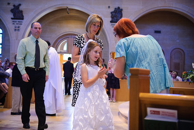 Mary's first communion - 19-May-2012 Filename: TOP_2278