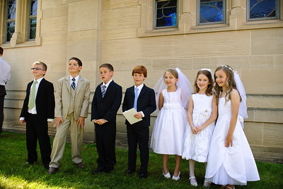 Mary's first communion - 19-May-2012 Filename: TOP_2336