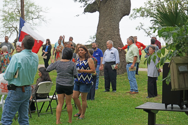 AnaAliciaEstrada; talking with descendants of F. W. Flato