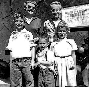 Fleischman Kids with Dorothy at Natural History Museum - 1956