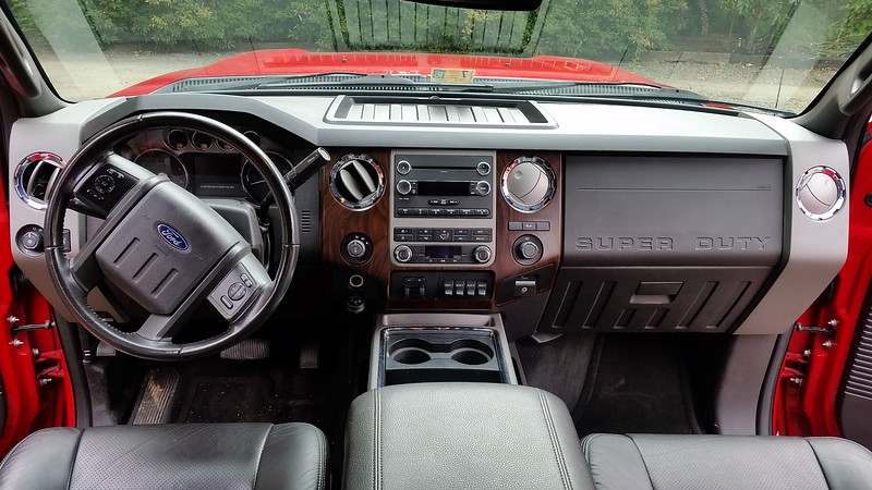Front dash with all the goodies.    Bluetooth, Microsoft Sync , All Leather Seats, , 4 WD , and everything else.
