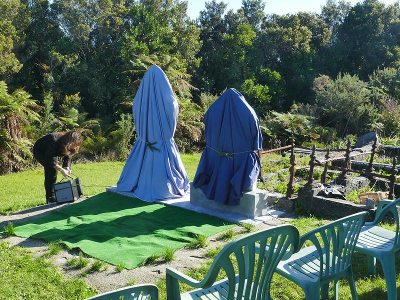 Unveiling headstones, (new) Ross Cemetery