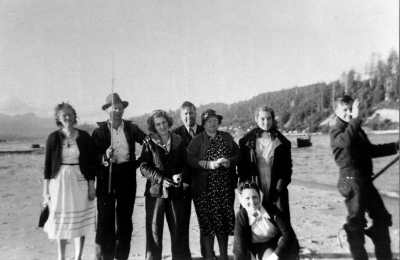 Left to Right, Back to Front-<br /> ?, ?, Muriel, James Sr., Elinor, Bettyann, James Jr.<br /> Nell?