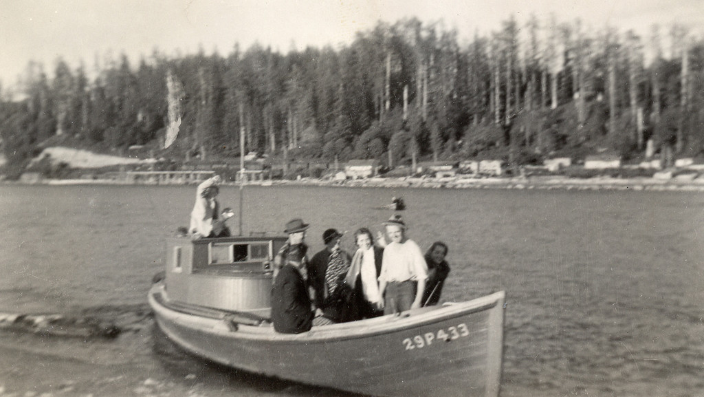 Forster Family Fishing Trip, Muriel far left, Bettyann far right