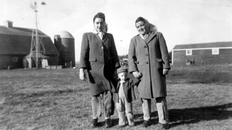 Bettyann Forster, Billy Lucas, Muriel Forster, in South Dakota