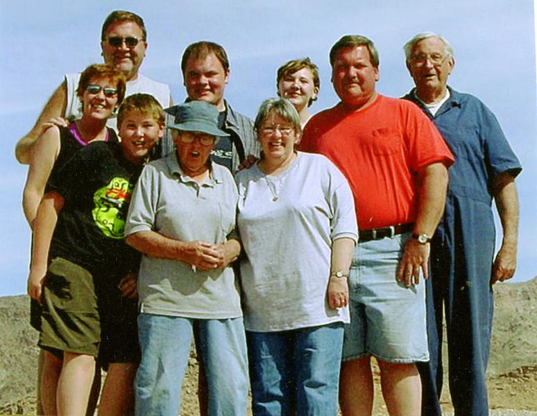 Left to Right,<br /> Back Row - Brad, Ryan, Alyssa, Michael, Wayne, <br /> Front Row - Tricia, Jason, Muriel, Kathy