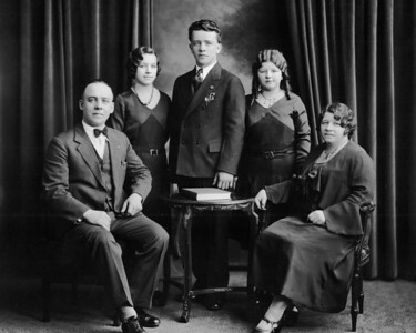 Left to Right: Michael Lah Sr (Fran's maternal Grandfather), Helen Lah (Sister of Fran's Mother), Michael Lah Jr (Brother of Fran's Mother), Frances Lah (Fran's Mother), Frances Lah (Fran's maternal Grandmother) - around 1928