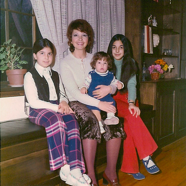 Jessica, Adelia, Gabi and Francesca in Northport