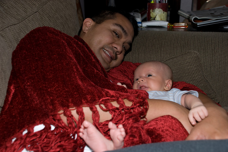 15Sep09 -  Daddy tryin to sleep