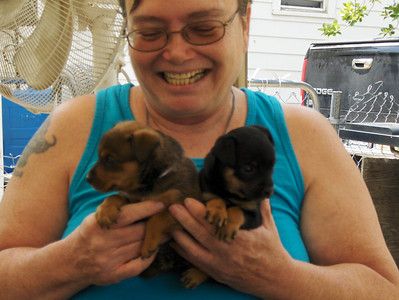 2007 - Leanna Schweizer with her baby girls - Guya and Isis