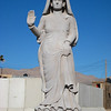 Medina Wasl, statue in the center of town
