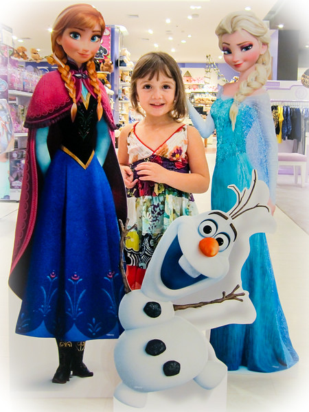 The last day of mid-term break. We used the time to rearrange the Frozen display at our local department store! — with Jen Grollman at Central Chidlom | เซ็นทรัลชิดลม.
