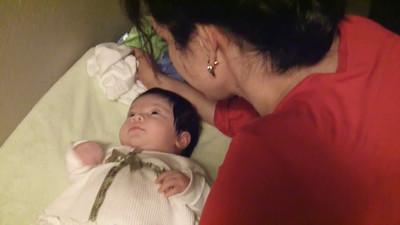 10/15/2008 - Talking away, 5-6 weeks old - loving it!