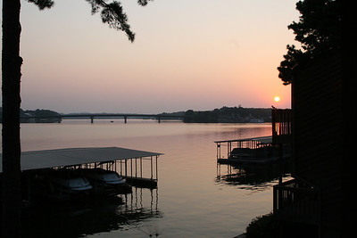 Sunrise on Lake Hamilton