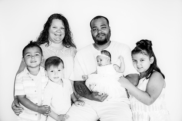 00006--©ADHPhotography2019--GARCIA--Newborn--FAMILY--May31