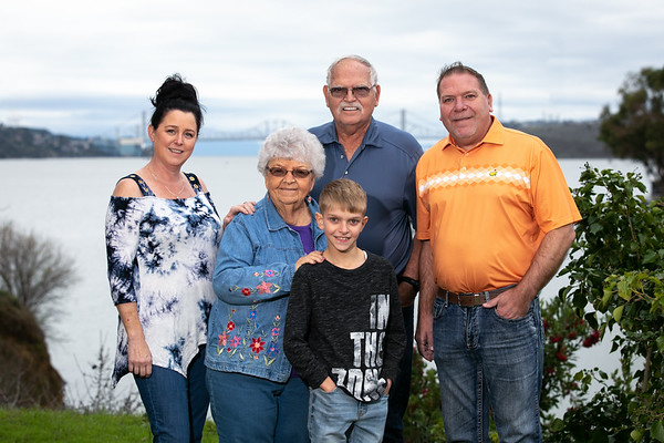 Gard-Family-Dec 2019-001-2975