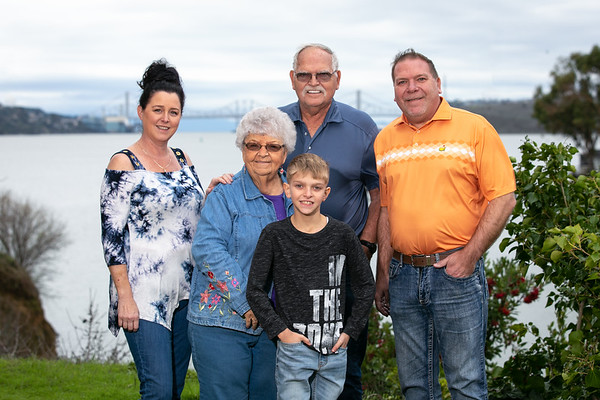 Gard-Family-Dec 2019-002-2981