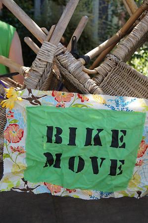 Garrett and Amanda Bike Move PDX