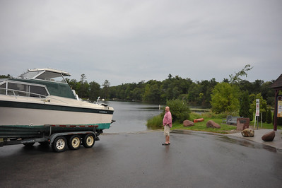 20100821 boat gary launch