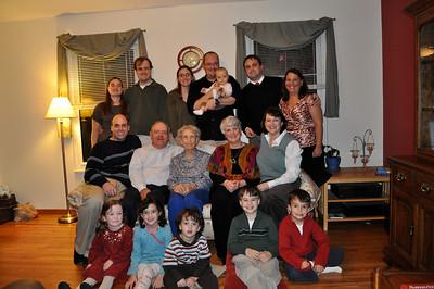 November 26, 2009 [Thanksgiving] - (Cristen's house / Manchester, Saint Louis County, Missouri) -- Vera with David & Mary Anne & Grandchildren & Great-grandchildren