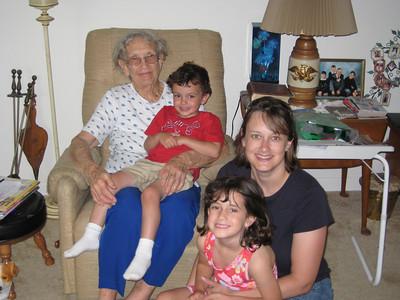 May 5, 2009 - (Cristen's family visiting Grammie / Summerville, Dorchester County, South Carolina) -- Vera receives visit from Brendan, Grace & Cristen