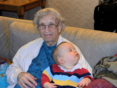 February 14, 2010 [Valentine's Day] - (David's house / Manchester, Saint Louis County, Missouri) -- Vera & Owen