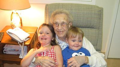 July 29, 2011 - (Autumn View Gardens / Ellisville, Saint Louis County, Missouri) -- Katherine, Vera & Owen