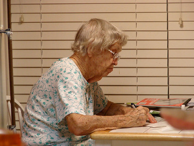 November 25, 2007 - (Vera writing a birthday card to Cristen / Summerville, Dorchester County, South Carolina) -- Vera