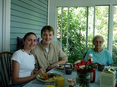 June 23, 2002 (David's house / Manchester, Saint Louis County, Missouri) -- Jennifer, Andrew & Vera after Andrew's Wedding
