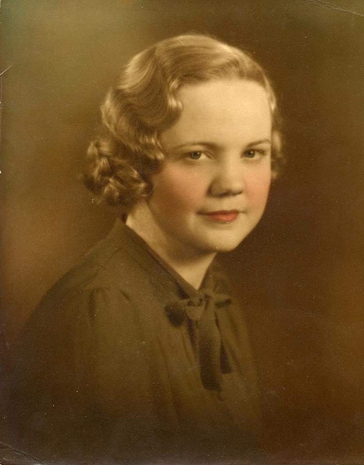 1944 Mom