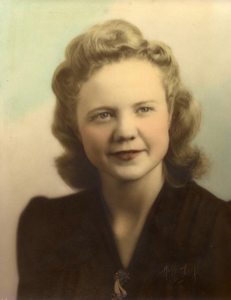 1945 Mom