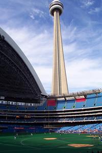 Toronto 07 27 01  002