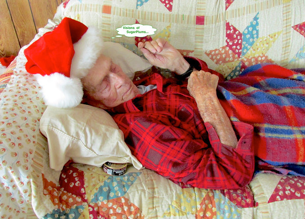 12/13 Caught dad during one of his very frequent naps, managed to slip the santa cap in position and the scene is set for thous years Christmas card. Don't know what he'll say when he sees it so I'll probably make sure they are already sent before he gets his. Note the can of Coppenhagen tucked away under the pillow, I did crop that part out of the cards.