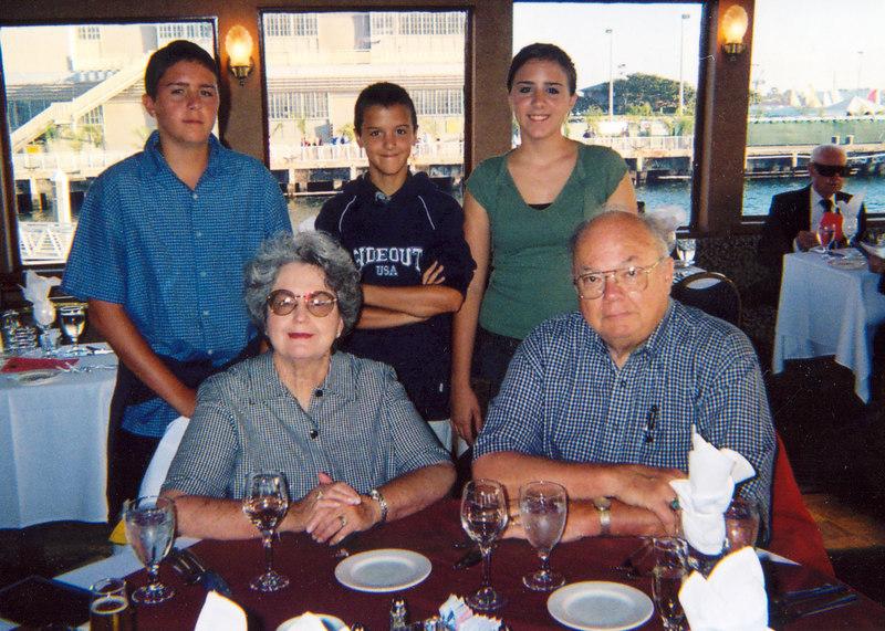 starace grandkids w- grandma &grandpa