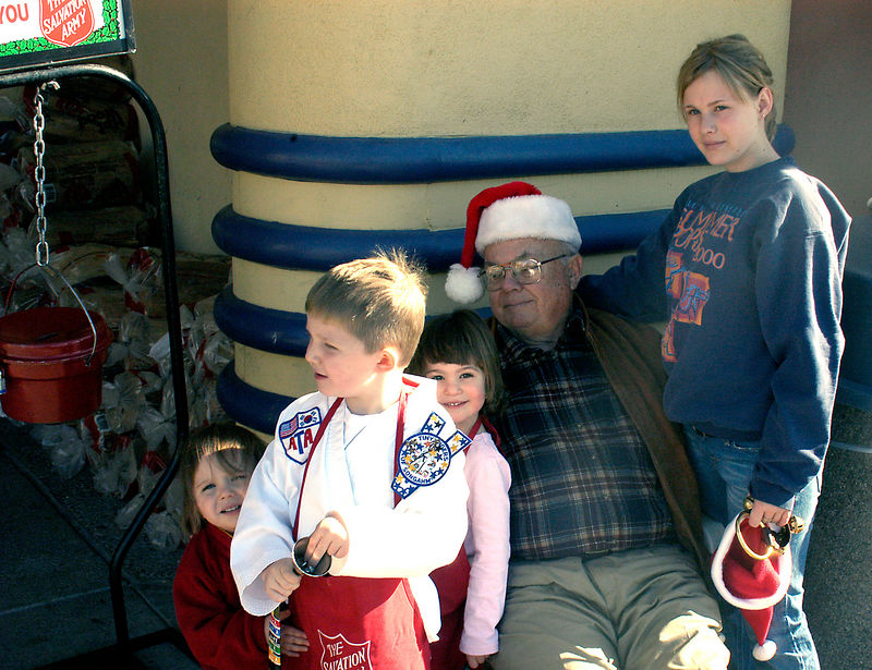 (12.21.2005)  Ringing the Bells with Gandpa.