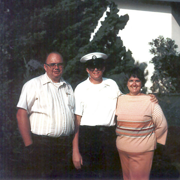 mom and dad with dave after boot camp