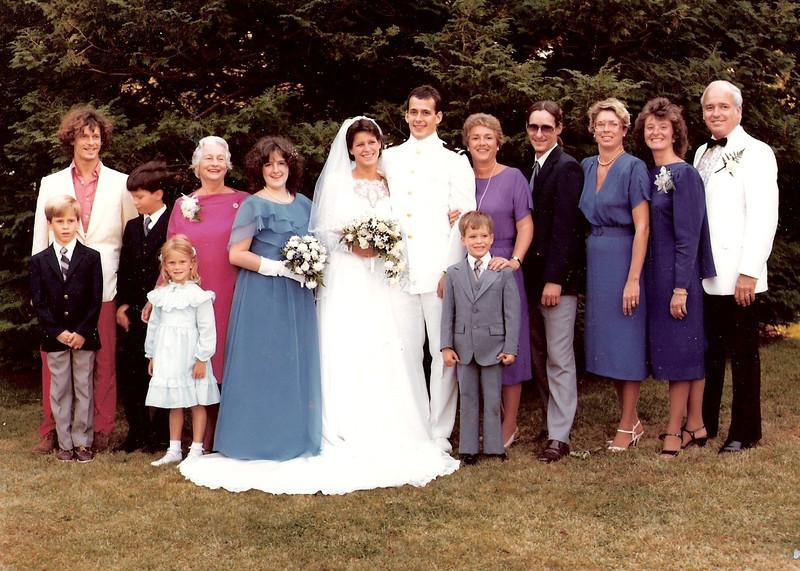 15-jill wedding family shot 1984