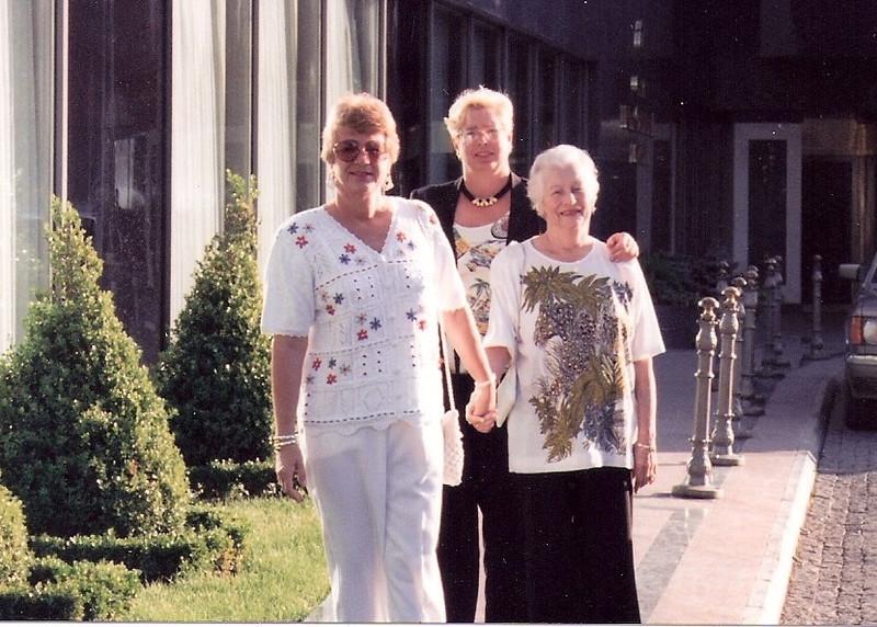 4-joy grace lil 1997