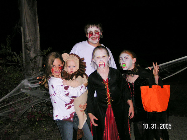 Riley's_hockey_and_Oct_Festival_and_halloween_2005_082