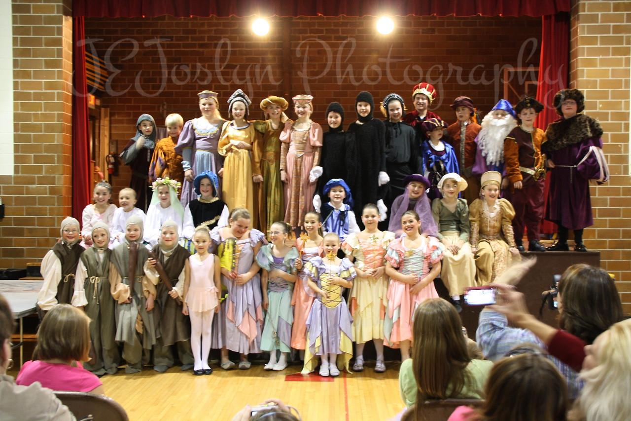 GD2-Cast of the November 2009 FairyTale Play at School.