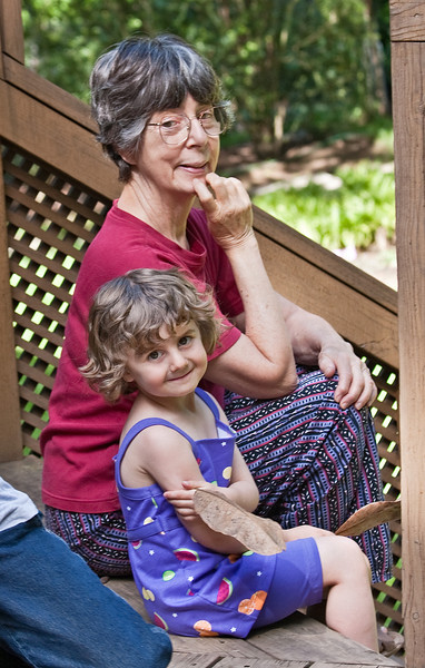 Chloe and Grandma, Hollin Hills, 5-22-09.